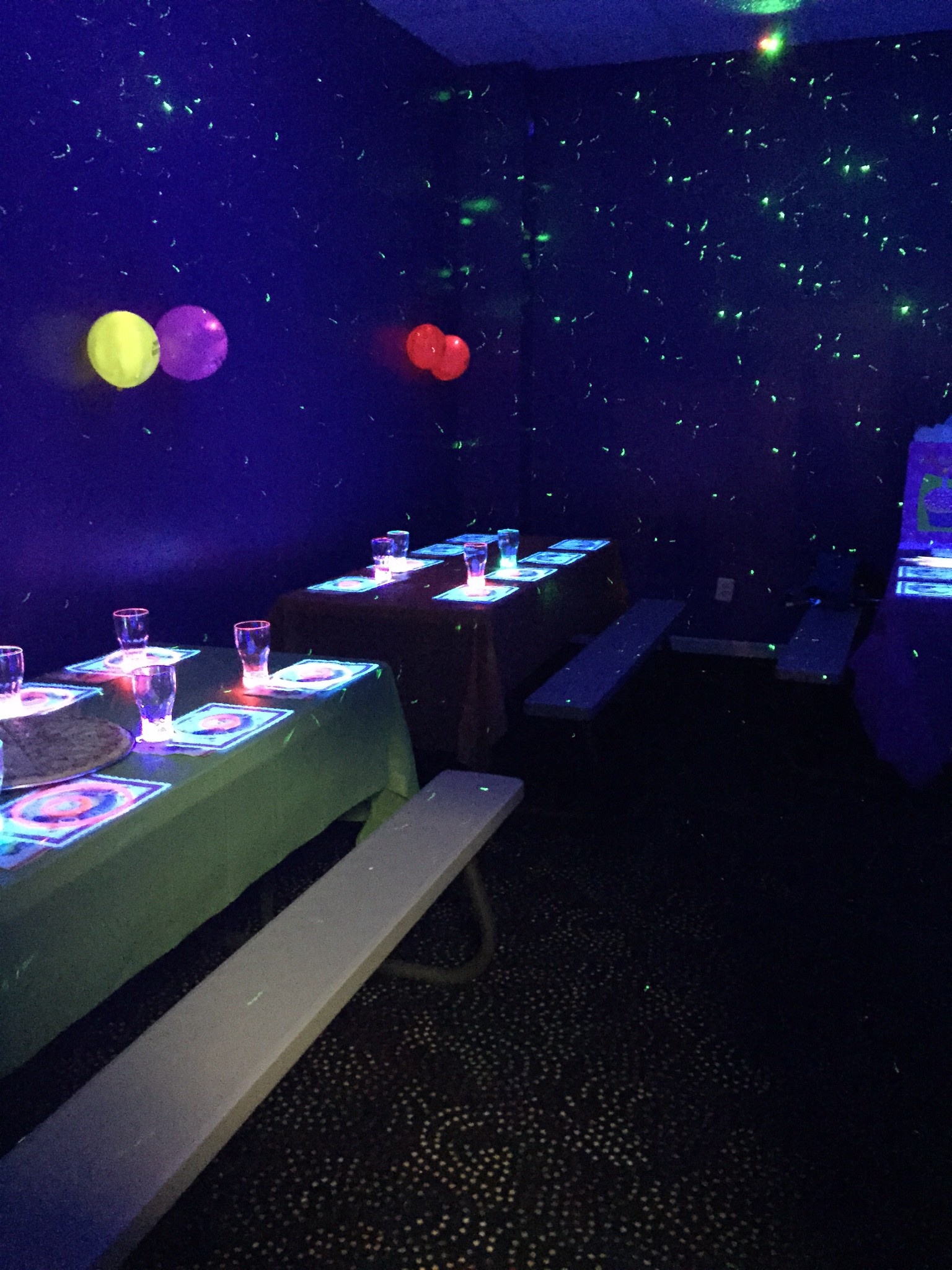 lighting a bubbles jeweled sensory rose growing group themed play light black lights blacklight glowing